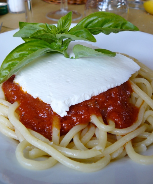 pasta-with-tom-sauce-3