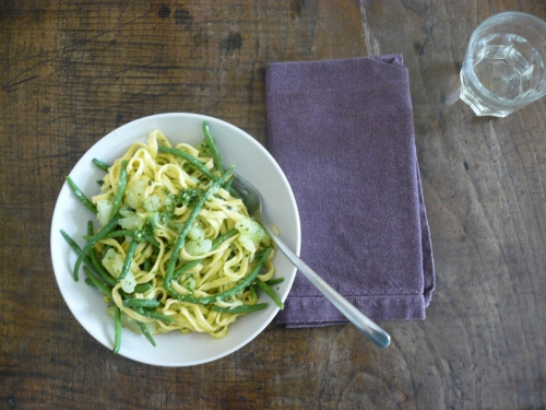 linguine-with-pesto
